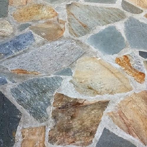 Křemenec - Quartzite barevný nepravidelný-realizace