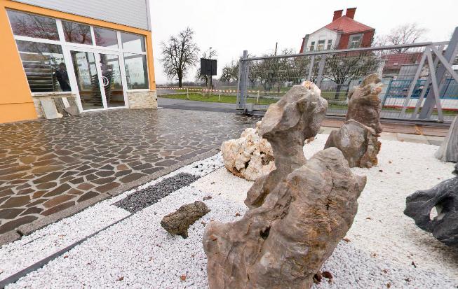Prodejna přírodní kámen uhříněves - exteriér